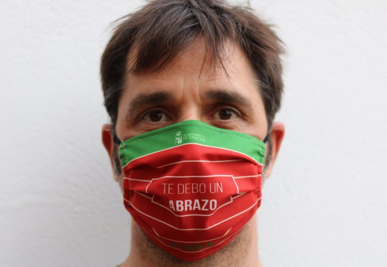 Mascarilla estampada Ángel Iglesias Bandera Zamora