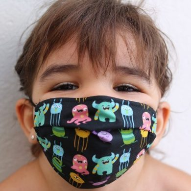 Mascarilla Infantil Ángel Iglesias Monstruos Fondo Negro