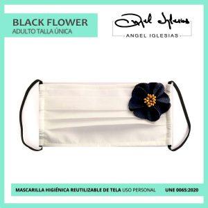 Mascarilla blanca con aplique flor negra