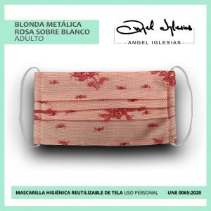 Mascarilla tul rojo con blanco evento Ángel Iglesias