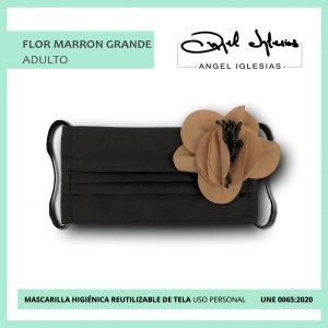 Mascarilla flor marrón grande evento Ángel Iglesias